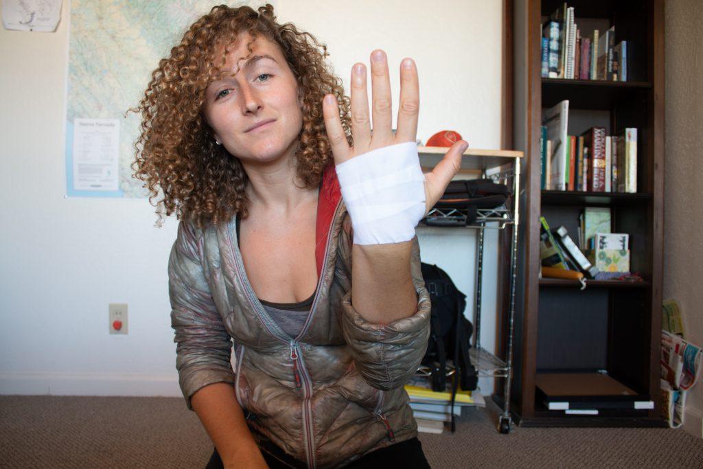Basic Tape Gloves - step 1