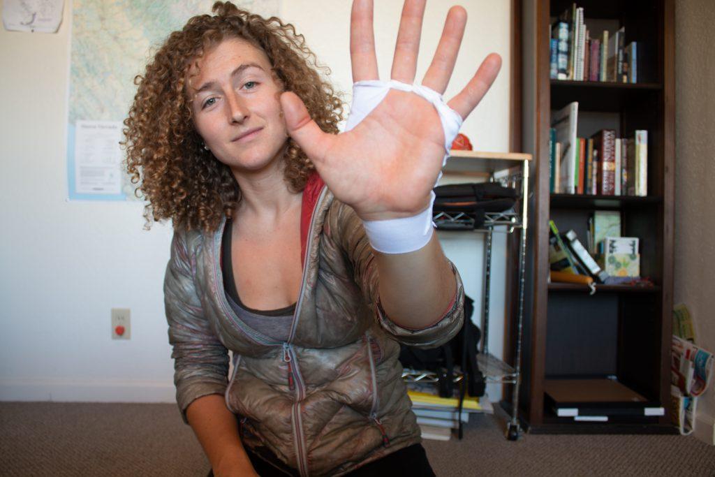 Basic Tape Gloves - step 4