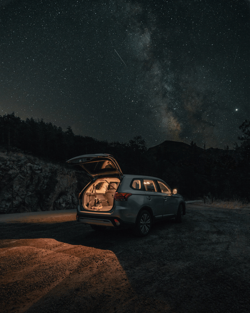 Stargaze-while-camping-to-relax-and-enjoy