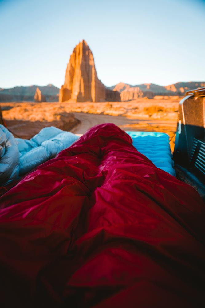 evan-sanchez-unsplash-desert-camping-how-to